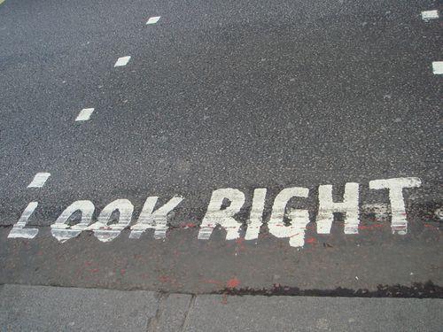横断歩道@ロンドン Look Right