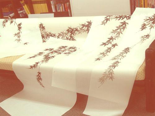 墨絵紅葉狩り Sumi-e Red Leaves Falling